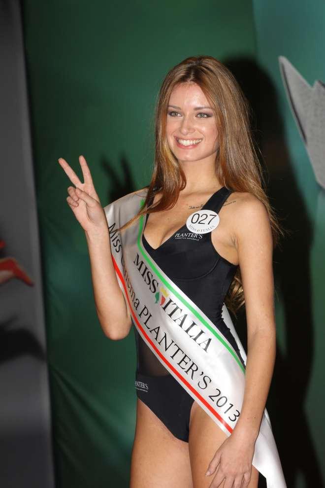 Miss Italia E Il Tatuaggio Dedicato A Dante Fatti Non Foste Viver Come Bruti