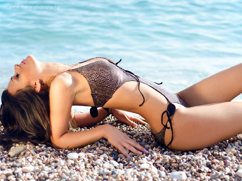 costume-da-bagno-tendenze-moda-primavera-estate-2012-modelli-colori-trikini