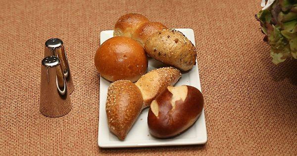 Pane, caffè e patate: la sostanza pericolosa che li rende cancerogeni